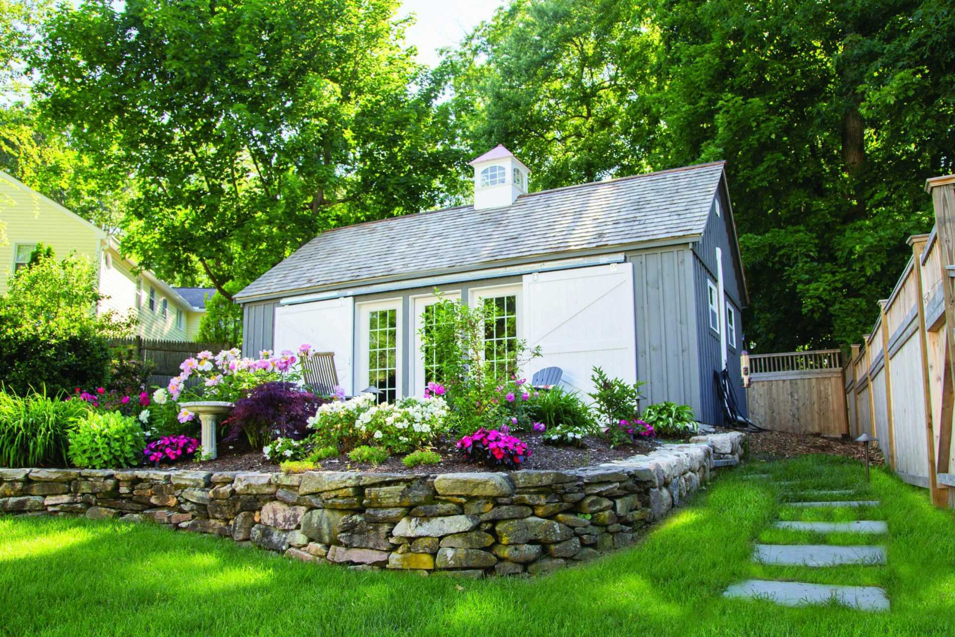 5 Must-Have Custom Shed Features in 2021